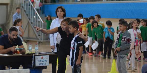 Kayseri'de ilkokul 3. sınıf öğrencileri yetenek taramasında