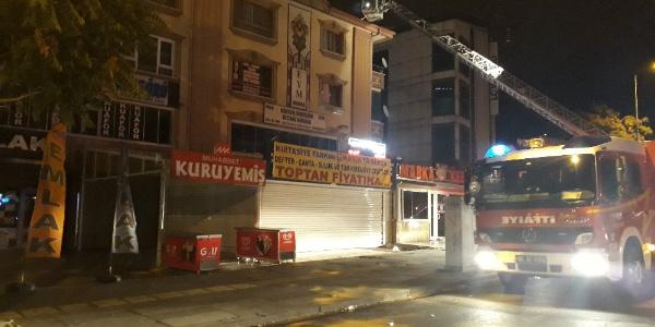 Ankara Altındağ'da aynı anda çıkan yangınlar paniğe yol açtı