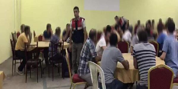Mersin'de jandarmadan işçi sendikası binasına tombala baskını