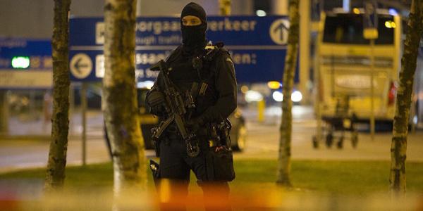 Hollanda polisinden flaş operasyon: Terör saldırısı son anda önlendi