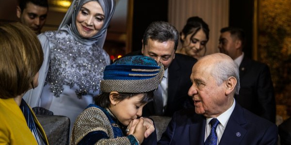 MHP yönetimi, Bahçeli'nin kirve olduğu sünnet törenine akın etti