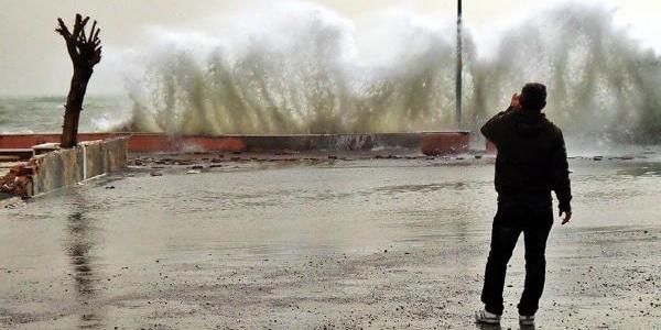 Fırtınayı bekleyen Trakya'ya yağmur hakim