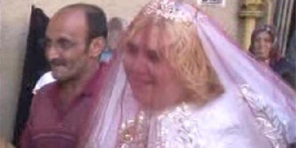 Zihinsel engelli kızına kıramadı damatsız düğün yaptı