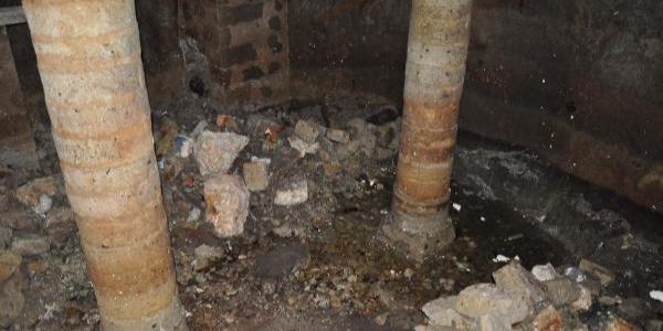 İzmir Çeşme'deki tarihi yer altı kilisesinde kazılar durdu