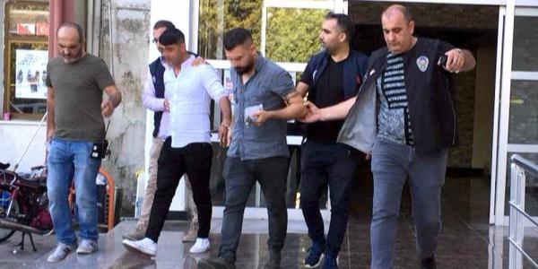 Mersin'de polisten 6 saattir rehin tutulan şahıs için operasyon