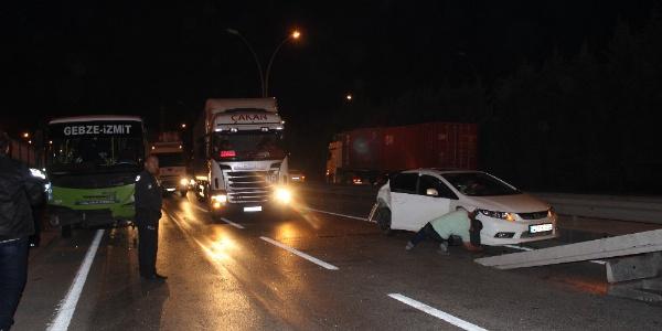 İzmiz'te halk otobüsü otomobille çarpıştı: 2'si çocuk 4 yaralı