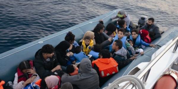 Sahil Güvenlik'ten Kuşadası Körfezi'nde kaçak göçmen operayonu