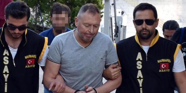 Savcı itiraz etti, pırlanta yutan İrlandalı turist tutuklandı