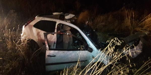 Ağrı'da TIR  ile çarpışan otomobildeki 2 kişi öldü, 1 yaralı