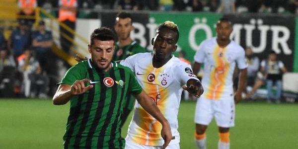 UEFA Avrupa Ligi'nde oynayan Akhisarsporun forması reklamsız kaldı