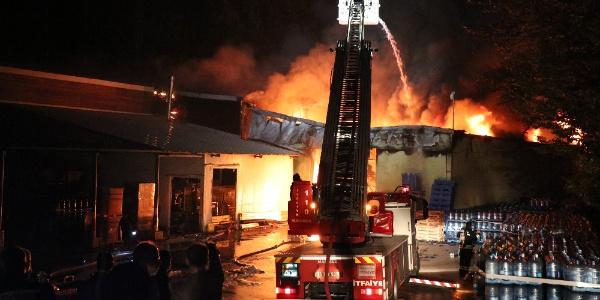 Bolu Abant'taki su dolum fabrikasında yangın
