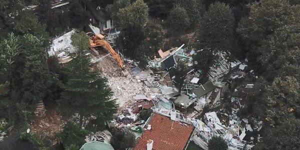 Adnan Oktar'ın villasında büyük yıkım