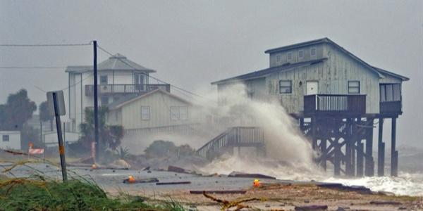 ABD'de Michael Kasırgası'nın faturası büyüyor: Ölü sayısı 13'e yükseldi