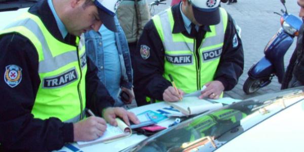 Trafik denetimlerinde  bir günde 4 milyon 976 bin 460 liralık ceza