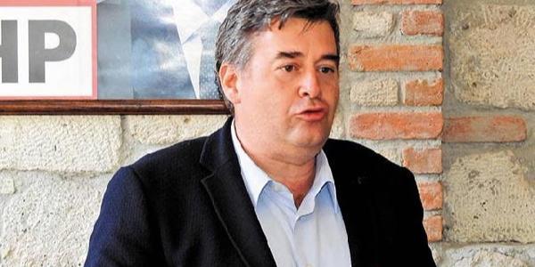 CHP İzmir'de adaylık için 12'si ilçe başkanı 62 kişi görevi bıraktı