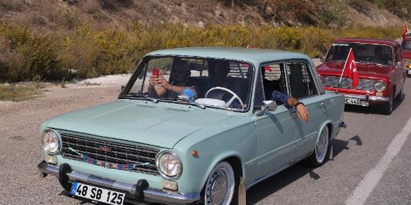 Klasik arabalar bir arada
