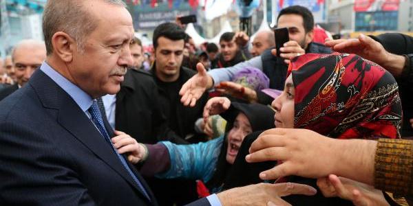 Metro hattının ilk seferi Cumhurbaşkanı Erdoğan'ın katılımı ile gerçekleşti