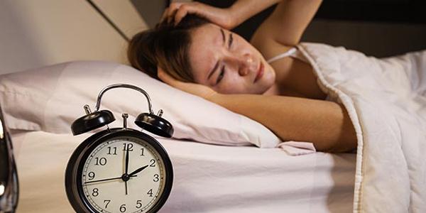 Uykunuz gelmeden yatağa girerseniz...