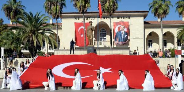 Mersin'de '29 Ekim Cumhuriyet Bayramı' coşkusu