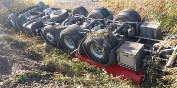 İtfaiye aracı yangını söndürmek için giderken kaza yaptı