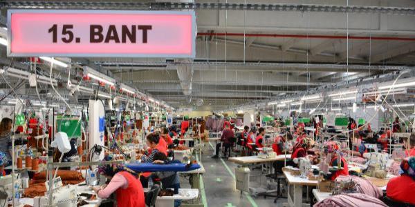 Tekstil fabrikasında çalışanlarına yüzde 10 zam