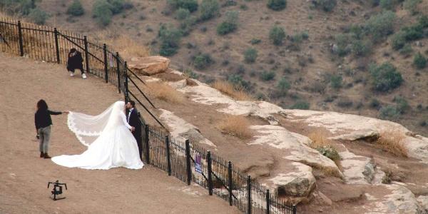 Düğün fotoğrafı için 2 bin metreye çıkıyorlar