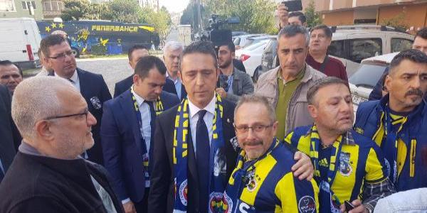 Koray Şener için evinin önünde helallik alındı