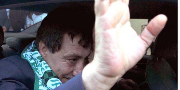 Vali İzzettin Küçük, Bursa'dan ayrılırken gözyaşlarını tutamadı