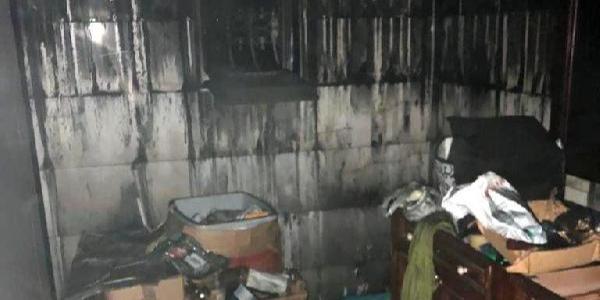 Fişten çekilmeyen ütü 3 kat villada yangına sebep oldu