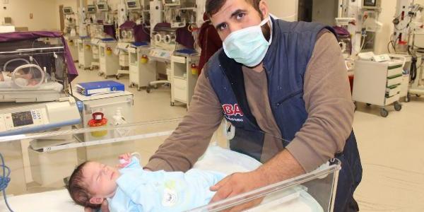 Ömer bebek daha bir günlük iken ameliyat oldu; sağlığına kavuştu