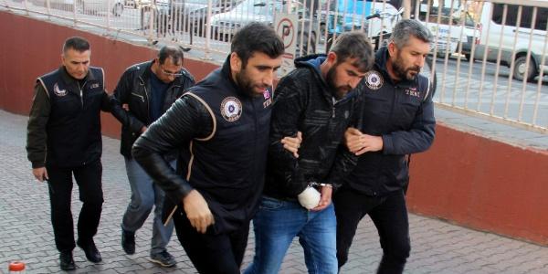 Terör örgütü propagandası yapan 2 kişi adliyeye sevk edildi