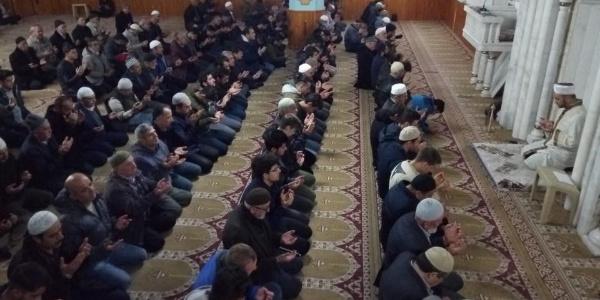 """Konya Beyşehir'de """"Sabah namazı gençlik buluşması"""" programı"""