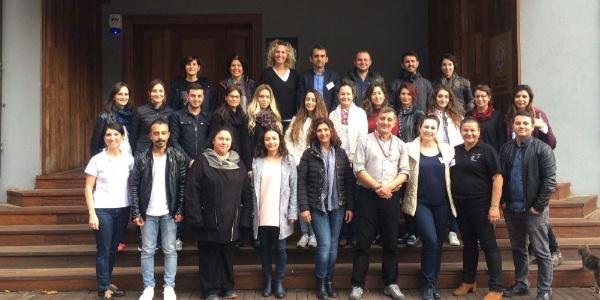 4500 genç, 400 gönüllü eğitmenin Öğretmenler Günü'nü kutladı