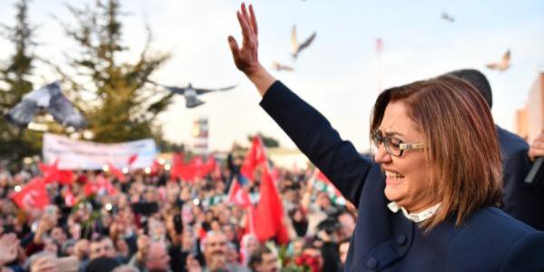 Fatma Şahin: 40 il açıklandı tek kadın belediye başkan adayı olarak huzurlarınızdayım