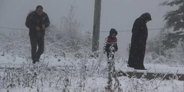 Bolu Dağı'nda etkili olan kara vatandaşların yoğun ilgisi