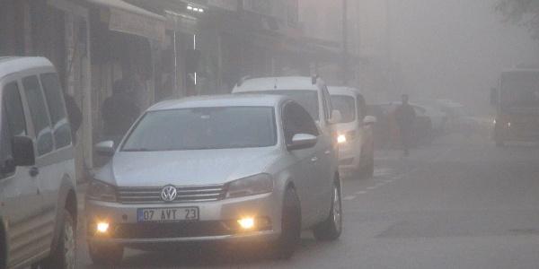 Gaziantep İslahiye'de sis hayatı olumsuz etkiledi