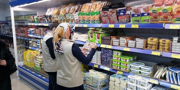 Bilecik'te marketlerde gıda denetimi