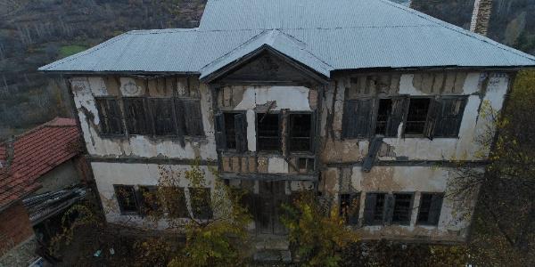 Tarihi Hacı Halit Ağa Konağı yıkılmak üzere