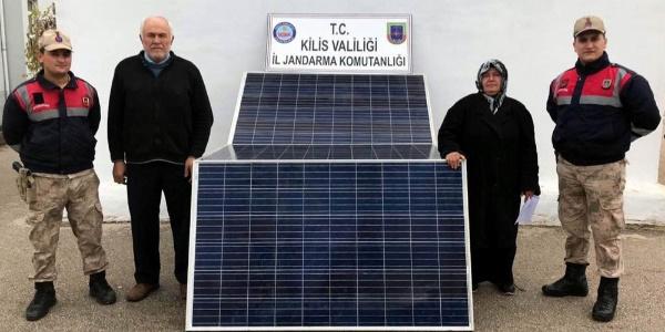 Güneş paneli hırsızlar yakalandı