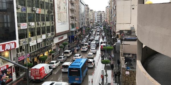 İskenderun'da trafik akış yönleri değişmesi sürücülerin tepkisine yol açtı