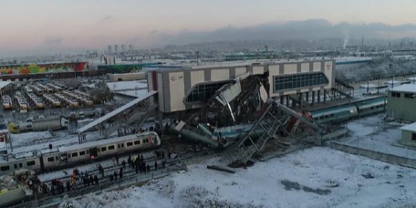 Ankara'da Yüksek Hızlı Tren ile kılavuz tren çarpıştı: 7 ölü, 46 yaralı