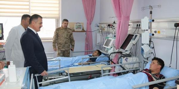 Hakkari Çukurca'da üç ayrı üs bölgesine yıldırım düştü: 6 asker yaralandı