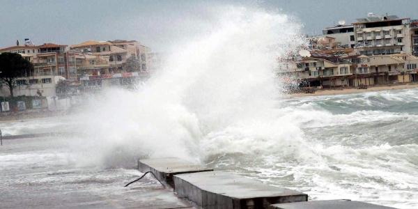 Meteoroloji,Ege Denizi'nin kuzeyinde kuvvetli fırtınaya karşı uyardı