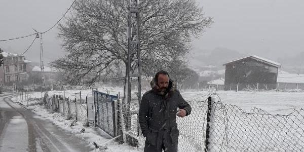 Çatalca'da sabah saatlerinde itibaren kar yağışı etkili