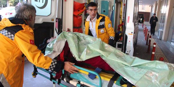 Şanlıurfa'da işçi ve öğrenci servisleri çarpıştı: 2 ölü, 14 yaralı