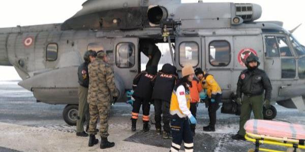 Ormanda kaybolan 4 elektrik teknisyeni askeri helikopterle kurtarıldı