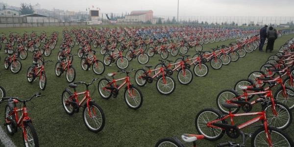 """Kilis'te """"15 bin eve 15 bin bisiklet"""" kampanyası devam ediyor"""