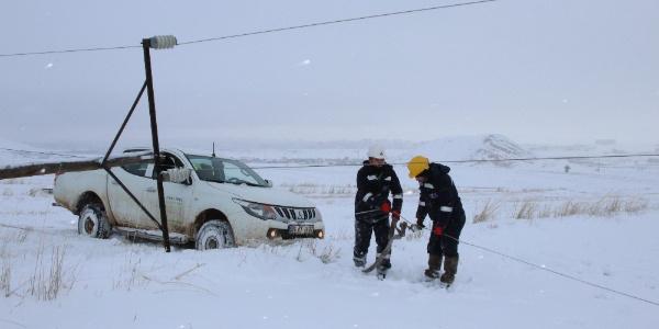 'Enerji timleri' kesintisiz enerji için kar kış demeden çalışıyor