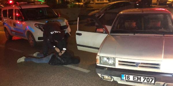 Polisin 'Dur' ihtarına uymayan 5 şüpheli kovalamaca sonucu yakalandı