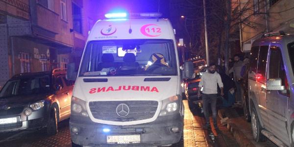 Sultangazi'de 5 katlı binada çıkan yangında 1 kadın yaralandı